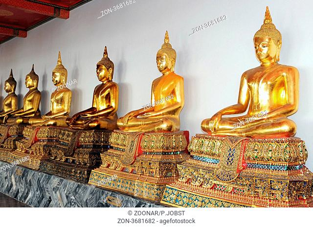 Das Wat Po beherbergt den 45 Meter langen Liegenden Buddha / In Wat Pho you can find the Lying Buddha, 45 Meter long