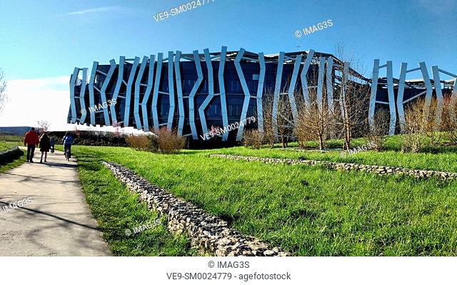 Headquarters for the Caja Vital Kutxa savings bank by architects Mozas and Aguirre, Salburua Park, Vitoria, Alava, Basque Country, Spain