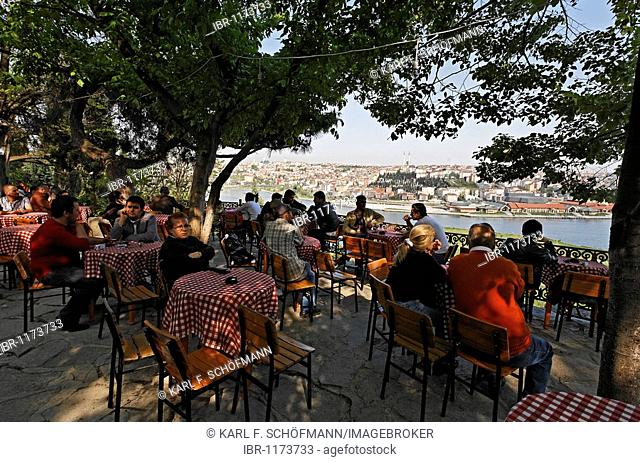 Pierre Loti Cafe, terrace with view on the Golden Horn, Eyuep, Istanbul, Turkey