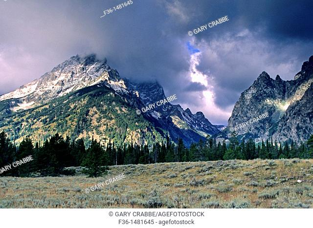 Teton Range dusted by first snowstorm of fall, Grand Teton Nat'l  Pk , WYOMING