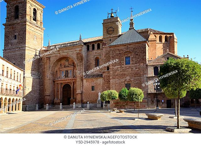 San Andres Apostol church, Plaza Mayor, Villanueva de los Infantes, Ruta de Don Quijote, Ciudad Real province, Castilla-La Mancha, Spain, Europe