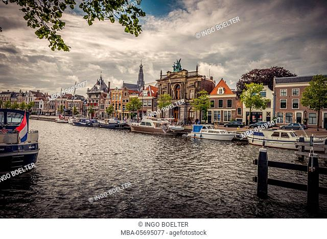 The Netherlands, Haarlem, canal, shore, waterside promenade
