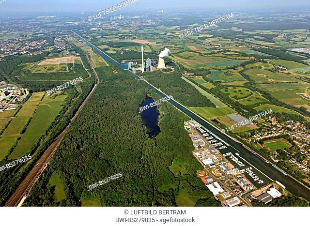 coal-fired power plant Bergkamen at chanel Weser Dattel Kanal with Lippe river an lake Beversee, Germany, North Rhine-Westphalia, Ruhr Area, Bergkamen