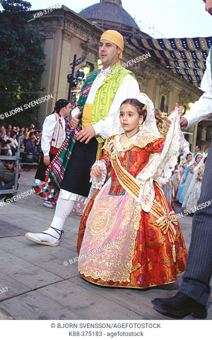Fallera' (girl in traditional costumes) during the 'fallas' festival, 2004. Valencia. Spain