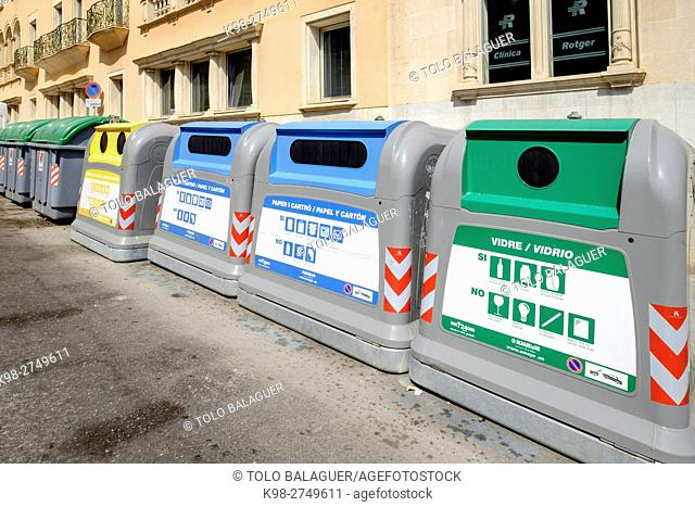 contenedores de reciclaje, Palma, Majorca, Balearic Islands, Spain
