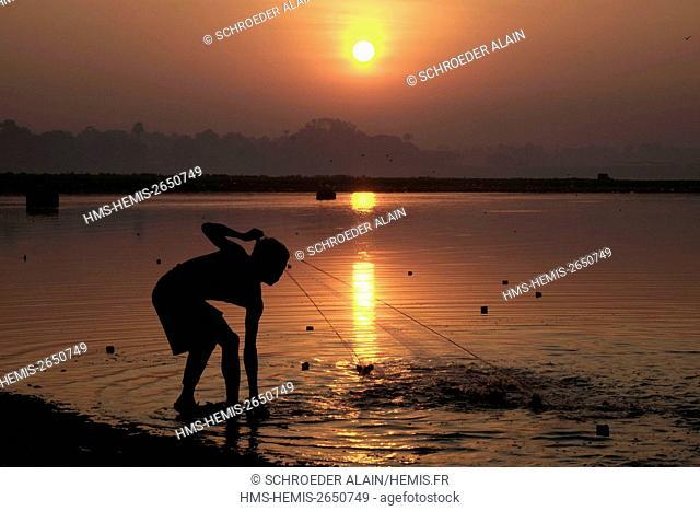 Myanmar, Mandalay, Mandalay Province, next to U Bein Bridge, Lake Thaugthung and fishermen