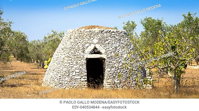 This traditional warehouse is named Furnieddhu in local dialect. All structure made of stone, used to repair agricultural tools in the country
