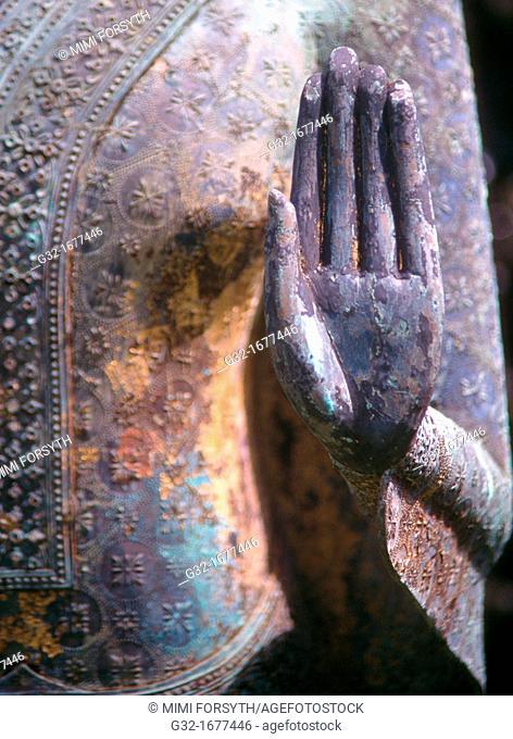 Hand of bronze, Thai Buddha
