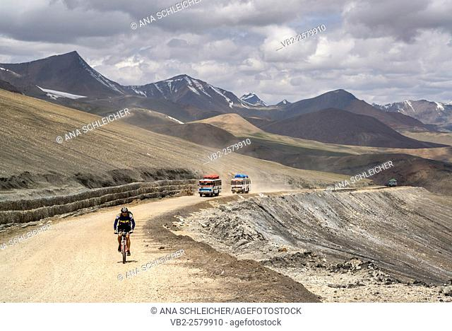 Taglang La (5328m). Second highest motorable pass of the World. Ladakh (india)