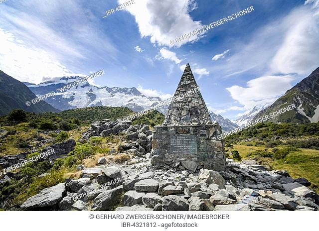 Memorial Shrine Alpine Memorial commemorating accident climbers on Mt Cook, Mount Cook National Park, South Island, New Zealand