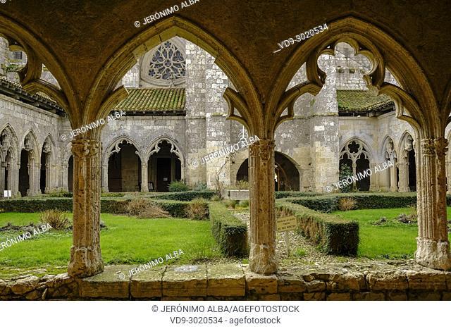 Collegiate Saint-Pierre, cloister. Village of La Romieu on the way of Saint Jacques de Compostelle. World Heritage Site. Le Gers Department, New Aquitaine