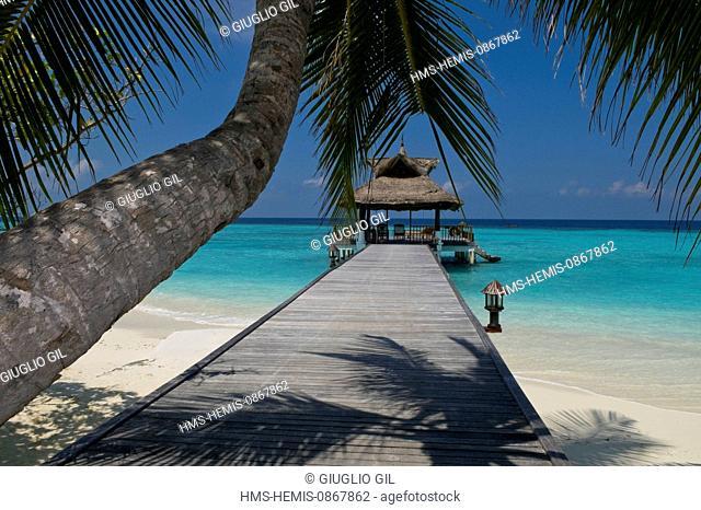 Maldives, North Male Atoll, Vabbinfaru Island, Banyan Tree Vabbinfaru hotel resort