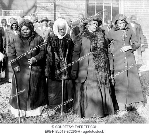 Four Elderly African American women at a Convention of ex-slaves, Washington, D.C., 1916