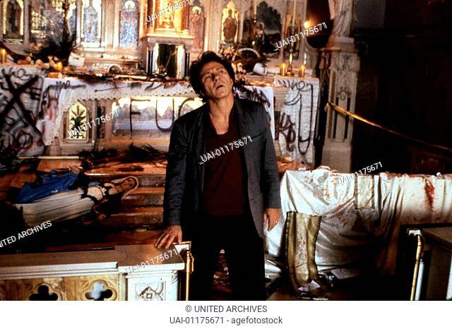 Bad Lieutenant, Bad Lieutenant, The, Bad Lieutenant, Bad Lieutenant, The, Harvey Keitel  Bei einem Kirchenbesuch hat LT (Harvey Keitel)