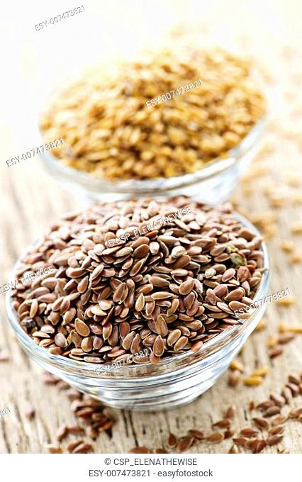 Brown and golden flax seed