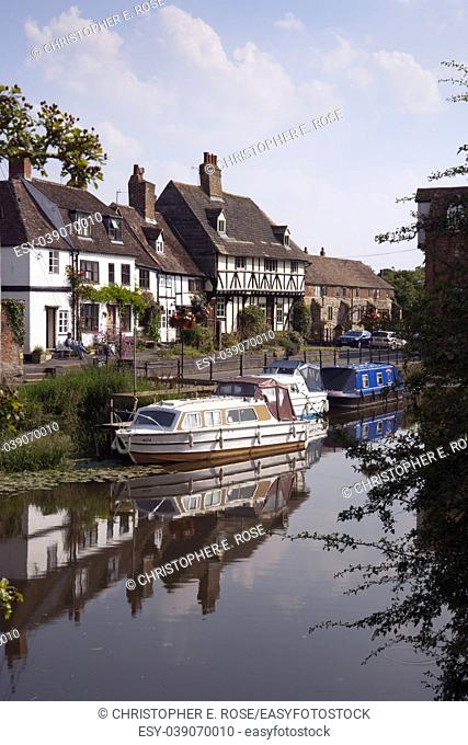 A quiet corner near Abbey Mill in the town of Tewkesbury, Gloucestershire, Severn Vale, UK