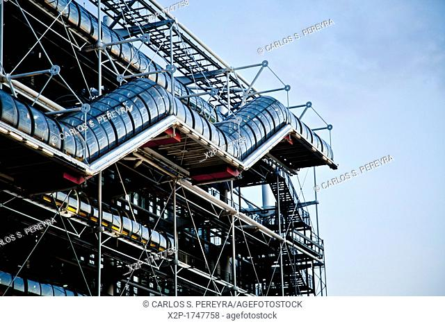 France, Paris, Centre Pompidou, by architects Renzo Piano, Richard Rogers and Gianfranco Franchini