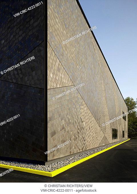 Facade perspective. German Aerospace Centre (DLR), Bremen, Germany. Architect: Kister Scheithauer Gross, 2012