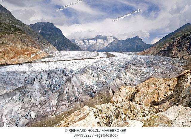 Aletsch Glacier in front of the Gross Wannenhorn and Klein Wannenhorn Mountains, Bernese Alps, Valais, Switzerland, Europe