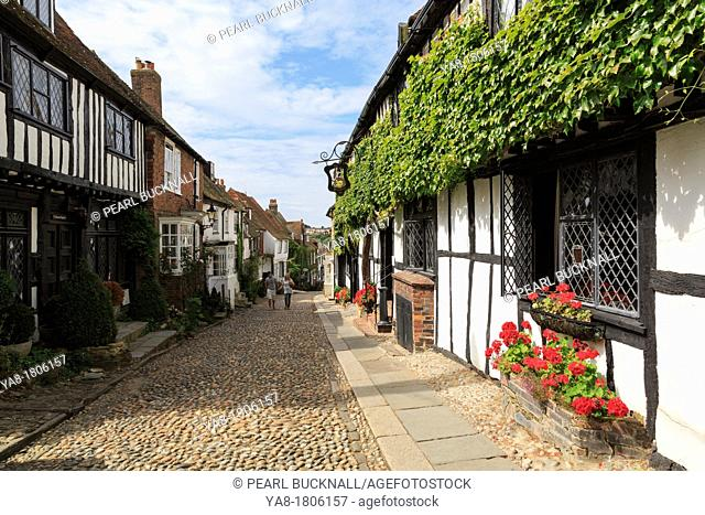 Mermaid Street, Rye, East Sussex, England, UK, Britain, Europe  The 15th century timbered Mermaid Inn on narrow cobbled street in historic Cinque Port town  One...