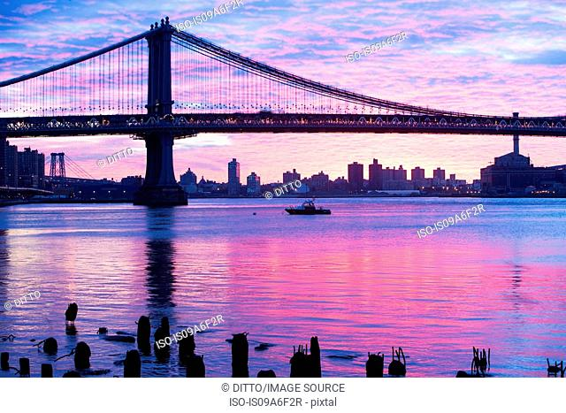 Manhattan bridge at sunset, New York City, USA
