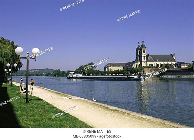 France, Lorraine, Meurthe et  Mosalee, Pont a Mousson Abbaye of this  Premontes, river Mosalee,  Europe, north-east France, city, sight, Mosalee shores