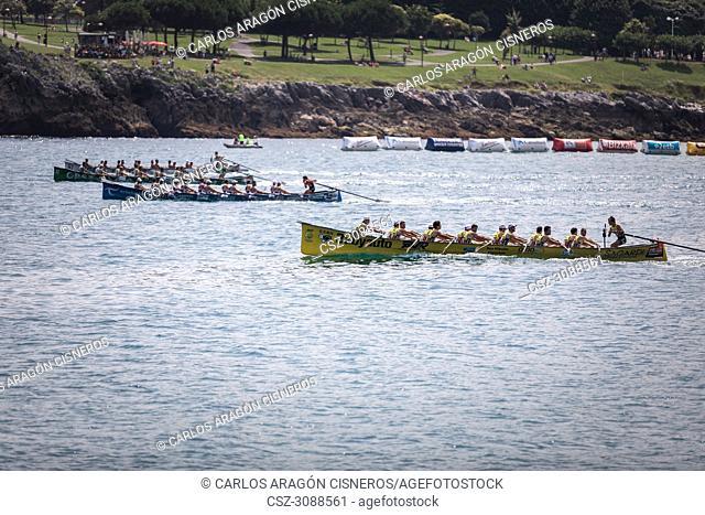 CASTRO URDIALES, SPAIN - JULY 15, 2018: Competition of boats, regata of trainera, Orio Babyauto, Urdaibai Avia, Go Fit Hondarribia and Zierbena Bahias Bizkaia...