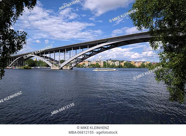Sweden, Stockholm, big arch bridge Västerbron close Langholmen