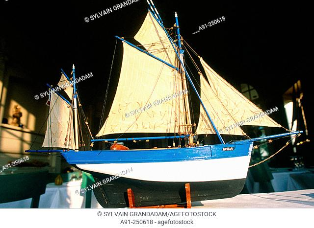 Scale model of a local ancient fishing boat. Cancale. Ille-et-Villaine. Brittany. France