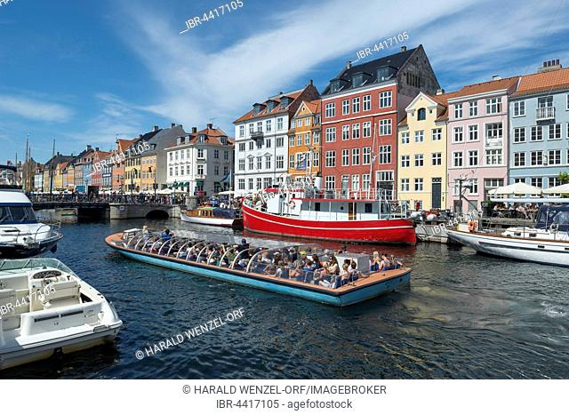 Nyhavn Channel, excursion boat, Copenhagen, Capital Region of Denmark, Denmark