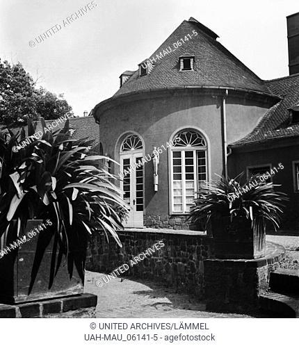 Der Eingangspavillon von Solbad Wittekind in Halle an der Saale, Deutschland 1930er Jahre. Brine bath Wittekind at the city of Halle, Germany 1930s