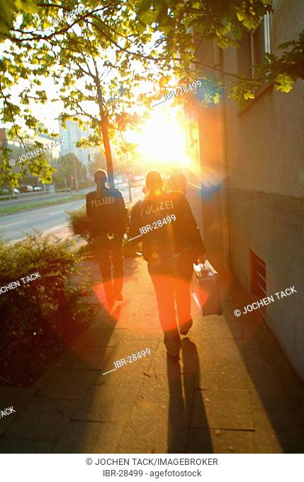 DEU, Germany, Essen: Begin of the morning shift.Daily police life. Officer from a city police station