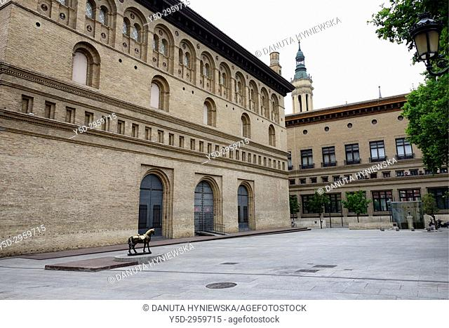 On left La Lonja former Exchange market, at present - exhibition hall, El caballito de la Lonja - sculpture of horse dedicated to photographer Angel Cordero...
