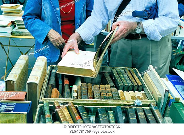 Paris, France, Shopping, Flea Market, Adult Senior Couple Shopping for Collectible Books in Public Market, Cour de Vincennes