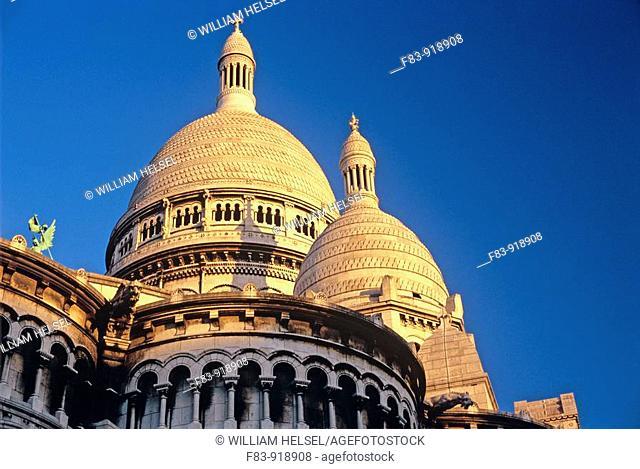France, Paris, 18th arrondissement, Montmartre: Sacre-Coeur basilica, domes, built 1875-1919