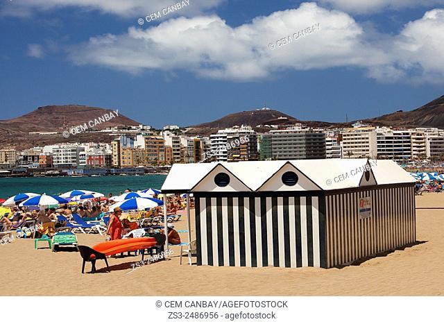 Scene from the Playa de las Canteras beach, Las Palmas de Gran Canaria, Canary Islands, Spain, Europe