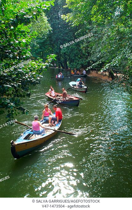 boat trip on Mount Espinho, Monte Bom Jesus natural park, modern, old, typical, culture, art, travel, Sameiro, Braga, Portugal, Europe