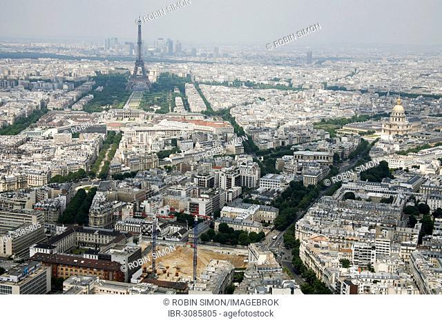 Panoramic view of Paris with the Eiffel Tower at back