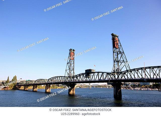 SW Hawthorne Bridge, Portland, Oregon, USA