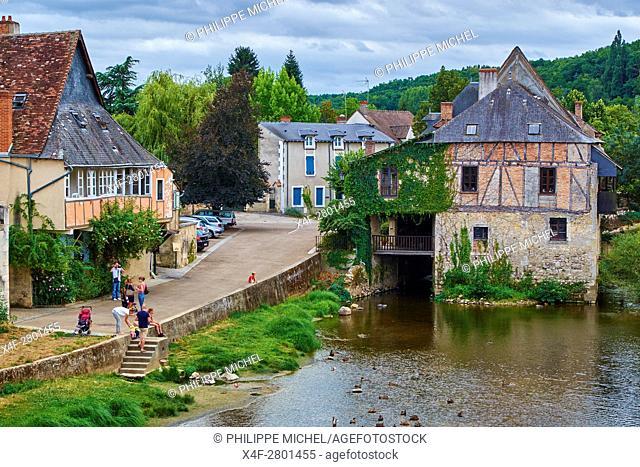 France, Indre (36), Argenton-sur-Creuse, old mill on the river bank Creuse