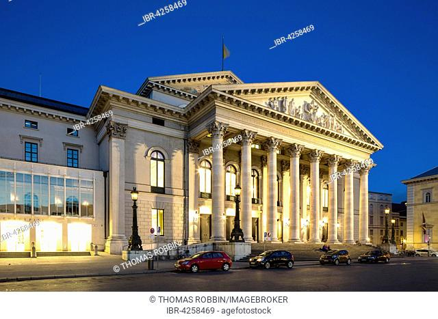 Bavarian Opera House, built in 1818, State Opera House in the evening, Max-Joseph-Platz, Munich, Upper Bavaria, Bavaria, Germany