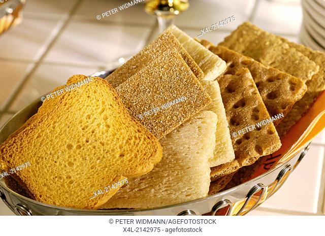 basket with zwieback and crispbread