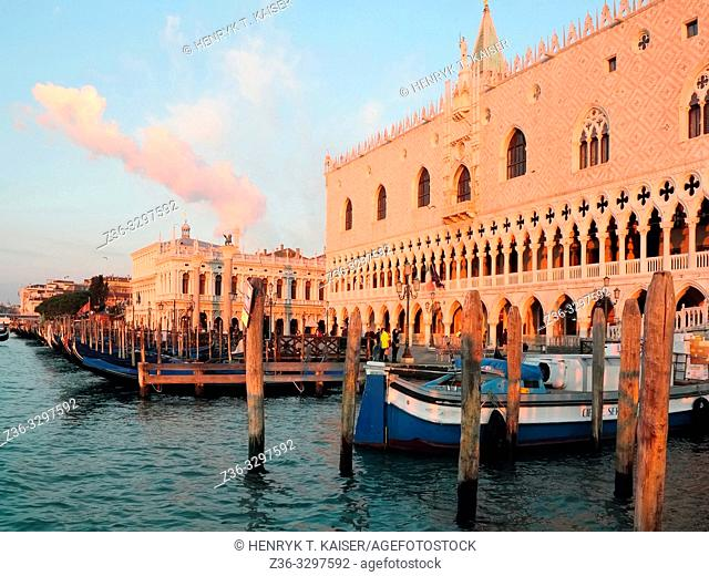 Morning over Doge s Palace in Venice