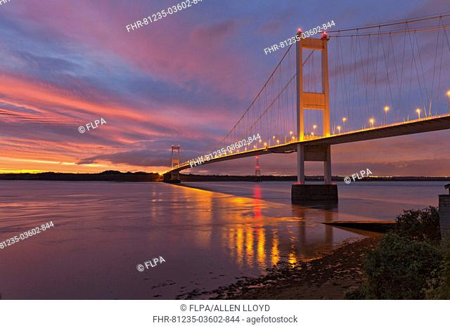 View of suspension bridge at dawn, viewed from Beachley looking towards Monmouthshire, Severn Bridge, River Severn, Severn Estuary, Gloucestershire, England