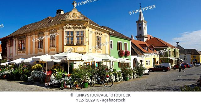 Buildings on the main square, Rust  Hungarian: Ruszt  on the Neusiedler See, Burgenland, Austria