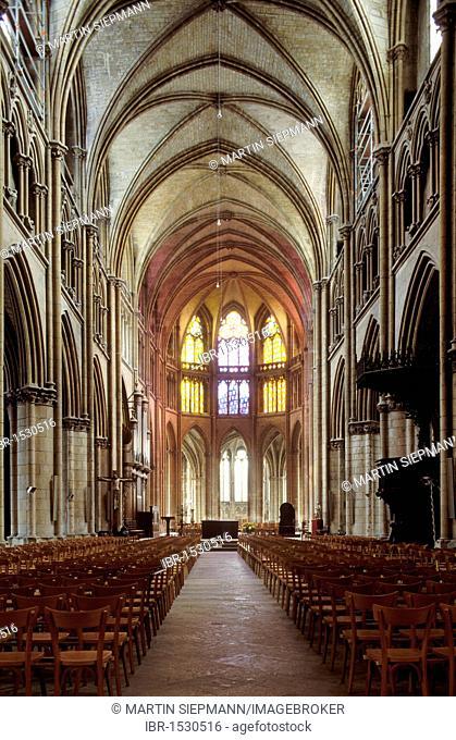 Interior view of the Cathédrale Saint-Cyr-et-Sainte-Julitte de Nevers cathedral, Nevers, Nièvre, Burgundy, France, Europe