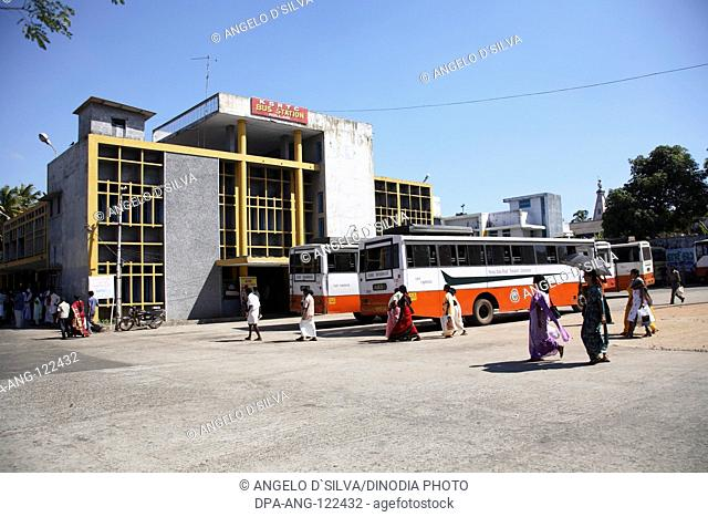 Transport ; bus service K.S.R.T.C. Kerala State Road Transport Corporation ; bus station ; stand Kollam ; Kollam District ; Kerala ; India NO PROPERTY RELEASE...