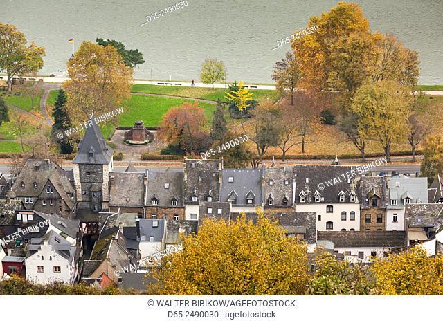 Germany, Rheinland-Pfalz, Bacharach, elevated town view, autumn