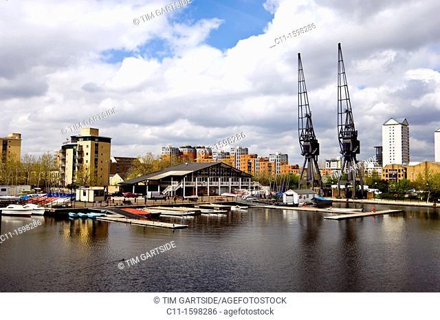 Canary Wharf, Isle of Dogs, London, England, Uk