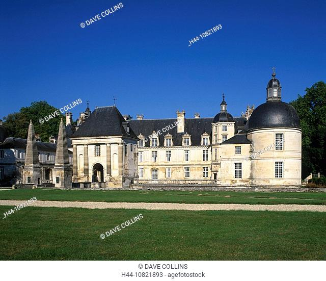 Chateau Tanlay, chateau, Tanlay, Burgundy, France, Europe, EU, European, travel, holiday, vacation, French, building